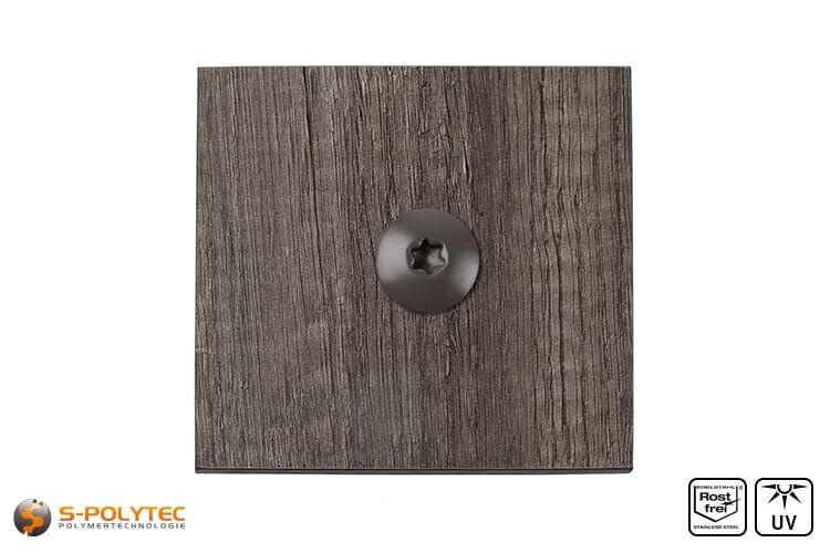 HPL Schraube auf einer HPL Platte in Holzoptik