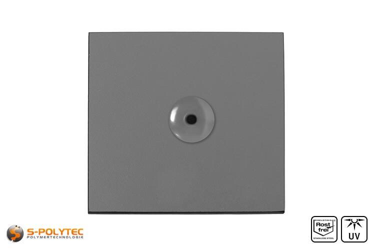 Staubgraue Fassadenniete montiert auf HPL Platte in staubgrau