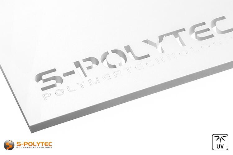 Weiße Acrylglasplatten in blickdichter Ausführung können bis zu einem Maximalformat von 1500mm x 980mm bequem online konfigurieren