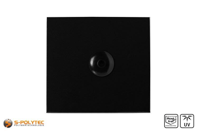 Schwarze Fassadenniete montiert auf schwarzer HPL Platte