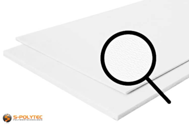 Unsere HDPE Platten in weiß mit genarbter Oberfläche im Zuschnitt