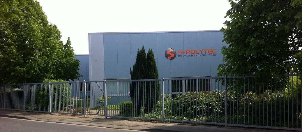 S-Polytec GmbH aus Goch Kunststoffplatten, Klebstoffe, Dichtstoffe, Silikone und Frästeile aus Kunststoff